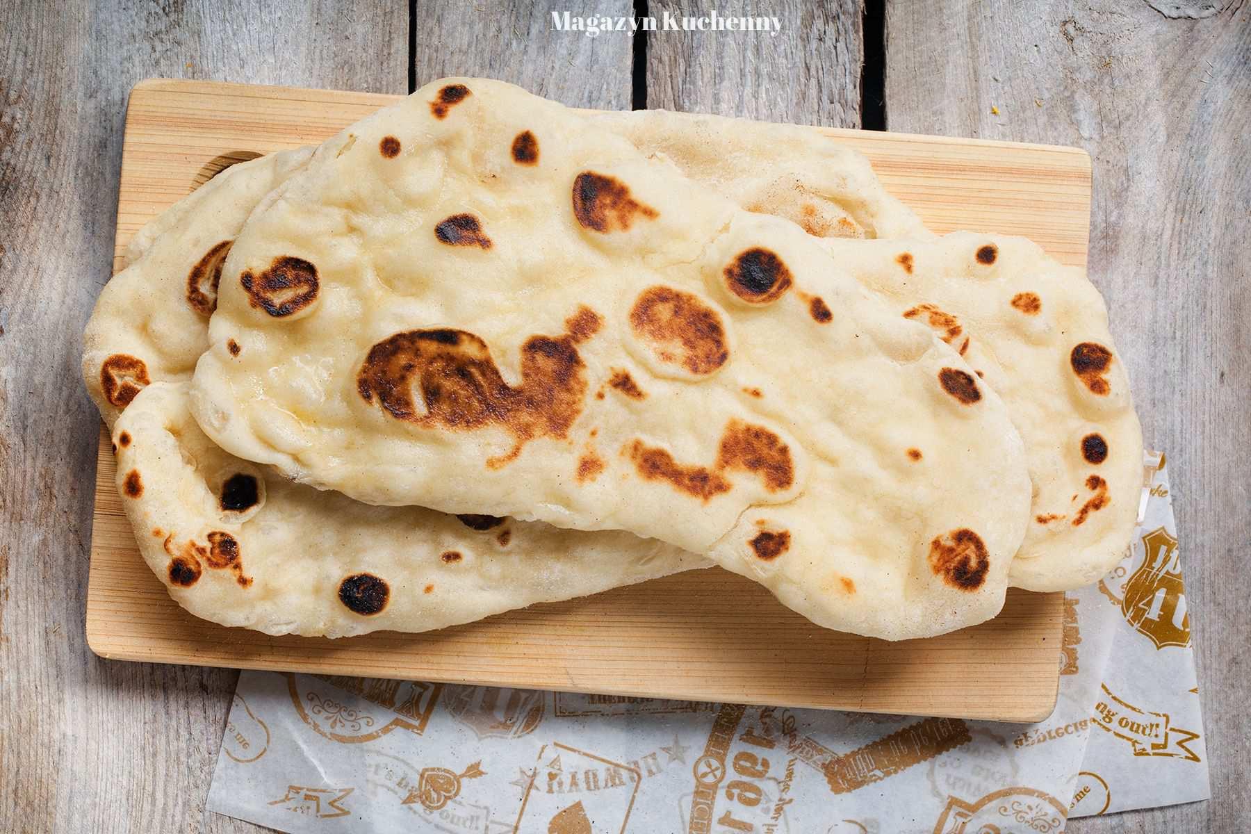Indyjski chleb naan z patelni