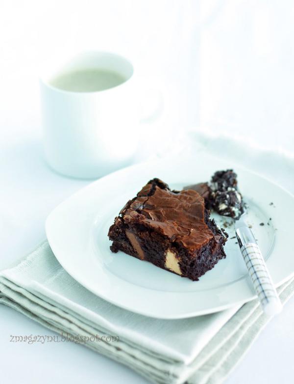 brownies-mleczna-biala-ciemna-czekolada-Donna-Hay