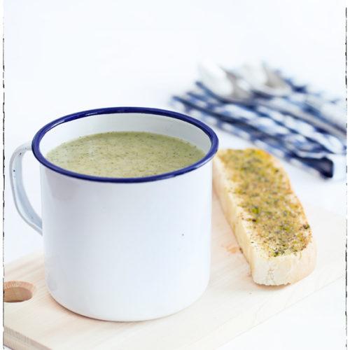 zupa krem z brokulow z grzankami