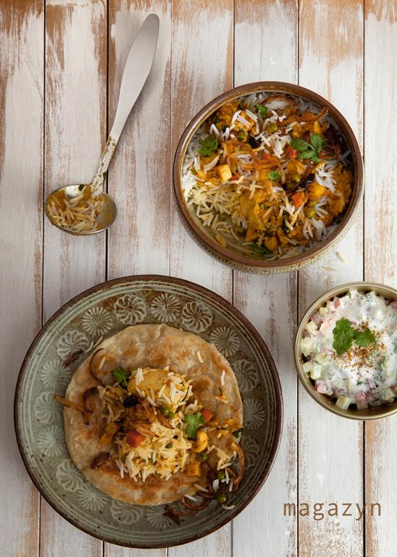 Ryż biryani z kurczakiem i warzywami