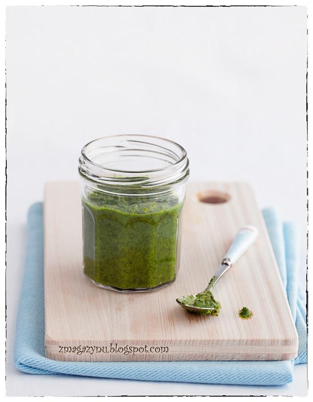 Zielony sos z jalapeño, pietruszki i kolendry