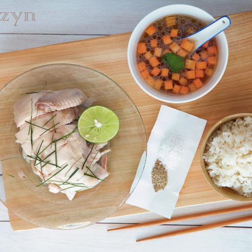 Wietnamski kurczak na zimno z ryżem aromatyzowanym trawą cytrynową