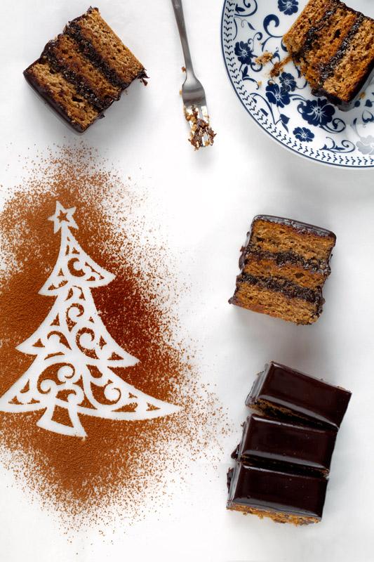 Piernik staropolski z polewą czekoladową i powidłami