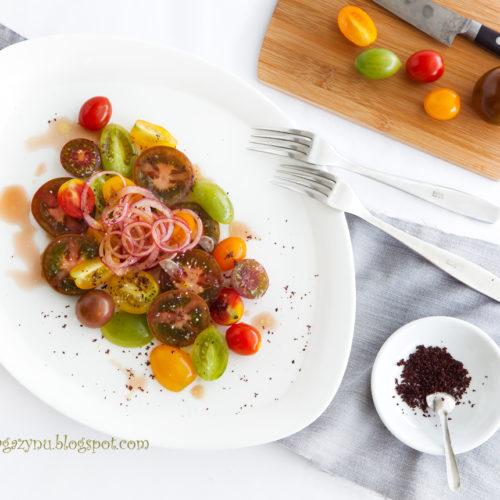 Pomidorowa sałatka z sumakiem