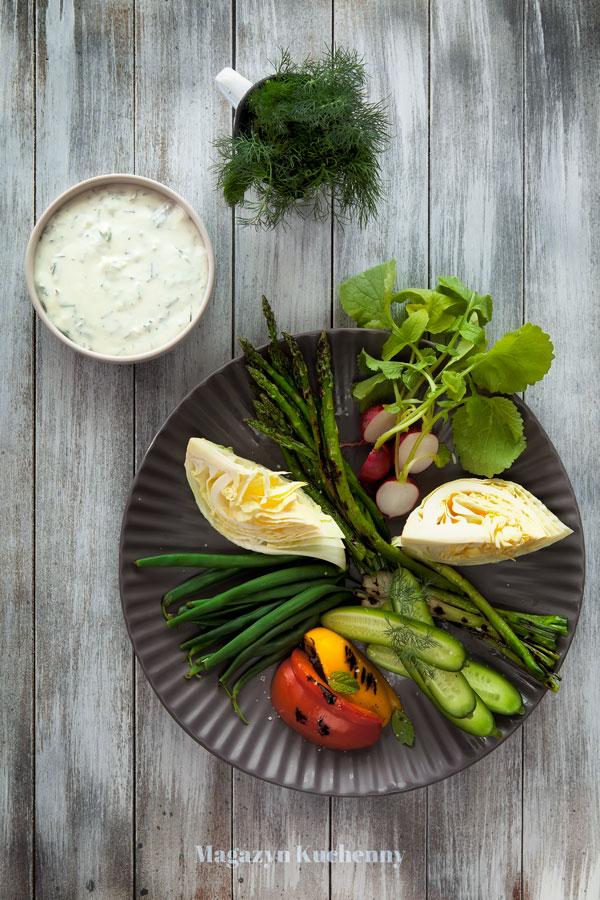 dip-z-fety-i-jogurtu-i-warzywa