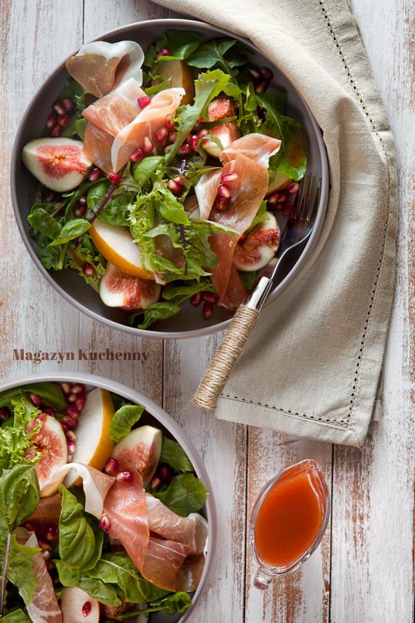 Sałatka z figami, gruszką i prosciutto