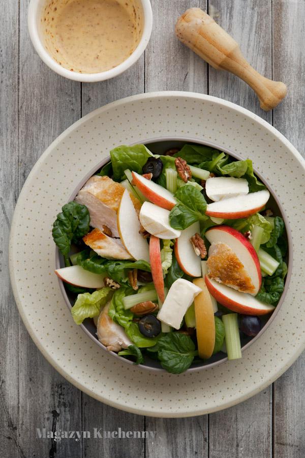 salatka-jesienna-z-kurczakiem-i-winogronami