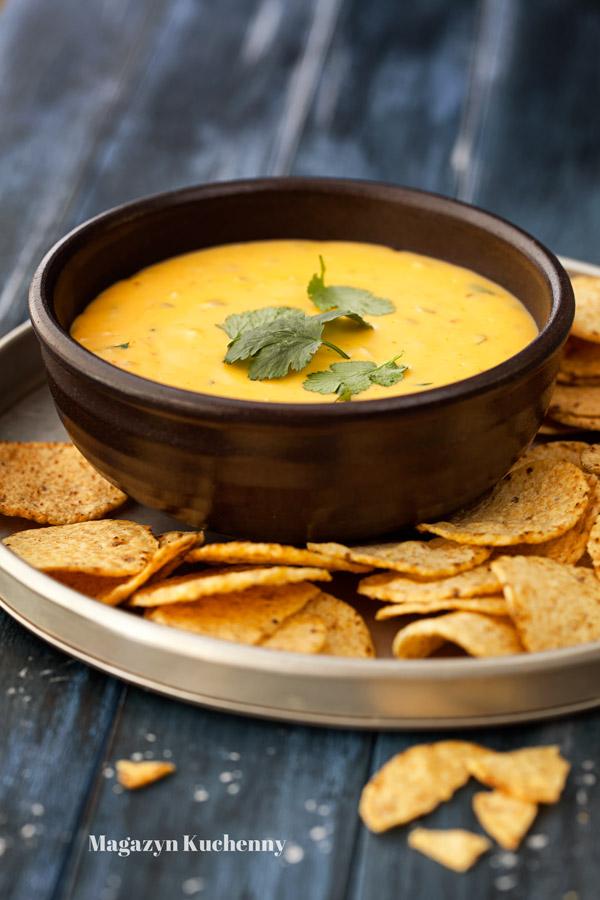 dip-serowy-do-nachos