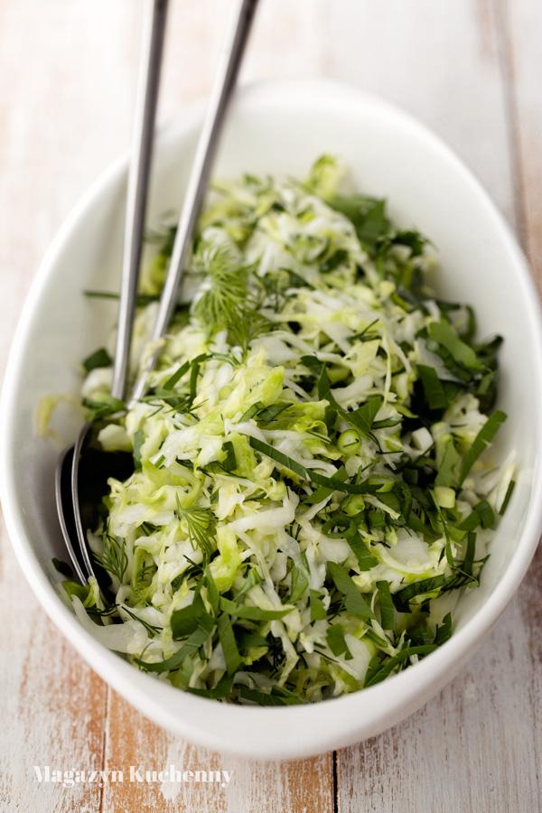 salatka-z-kapusty-z-ziolami