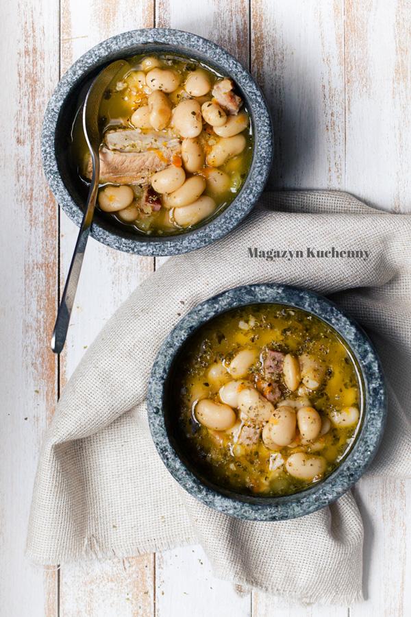 zupa-fasolowa-na-zeberkach-1