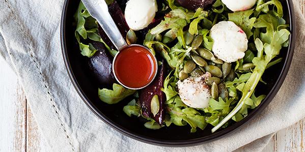 salatka-rukola-buraki-bryndza