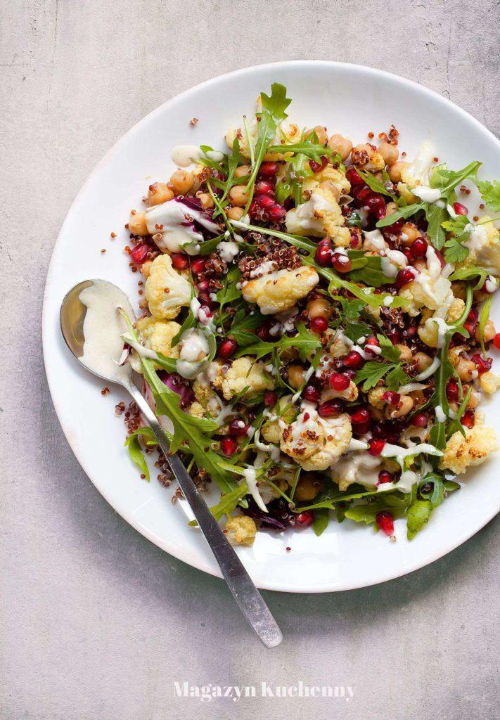 MK--salatka--z--pieczonym--kalafiorem