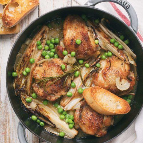 udka z kurczaka duszone z cykoria i zielonym groszkiem
