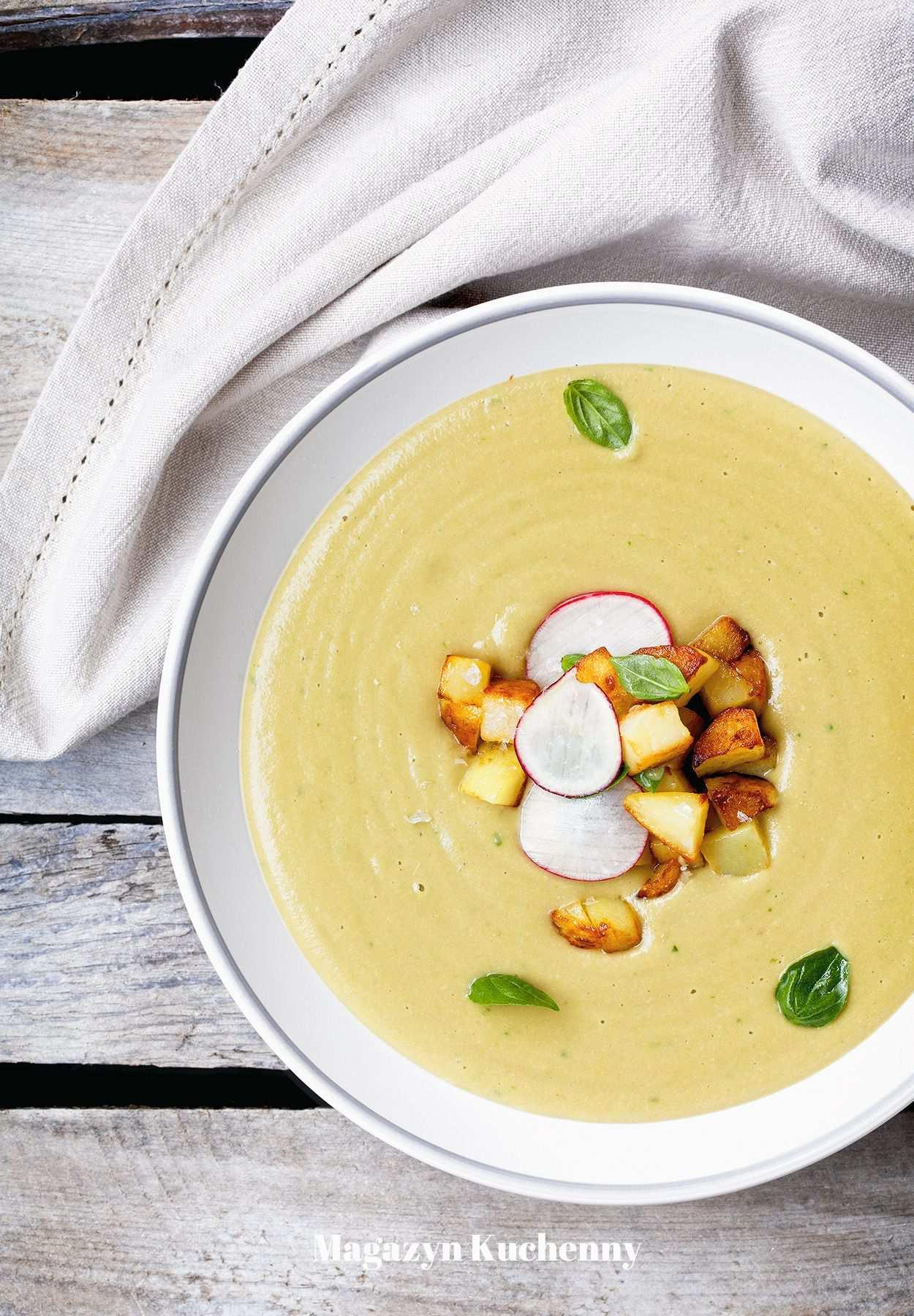 Zupa krem z bobu z warzywami i cydrem