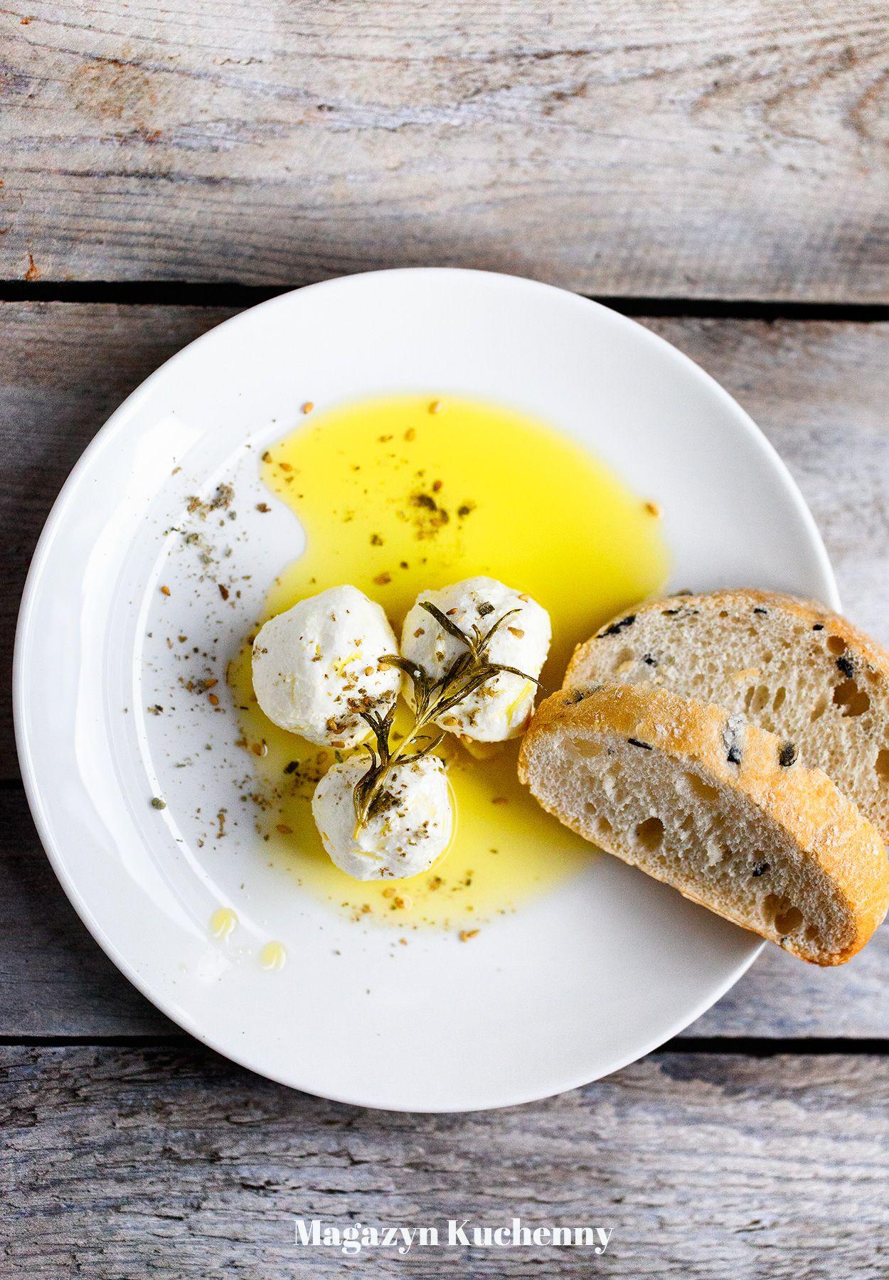Serowe kulki labneh w oliwie z ziołami