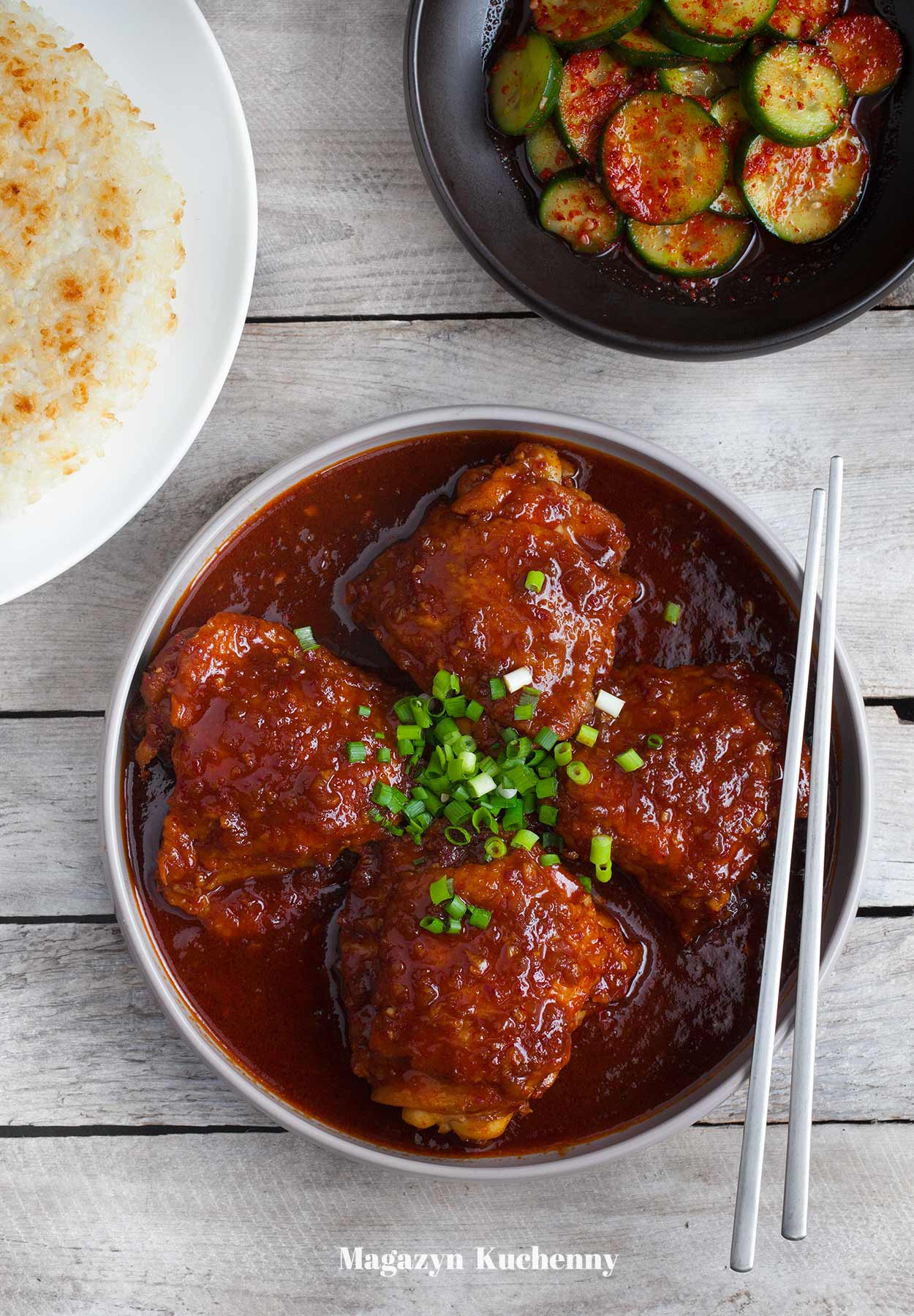 Kurczak po koreańsku duszony z pastą gochujang