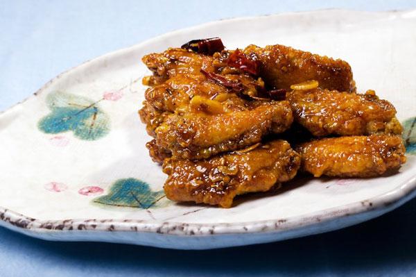 Koreańskie pikantne skrzydełka z kurczaka