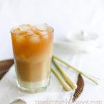 Tajska mrożona herbata z trawą cytrynową