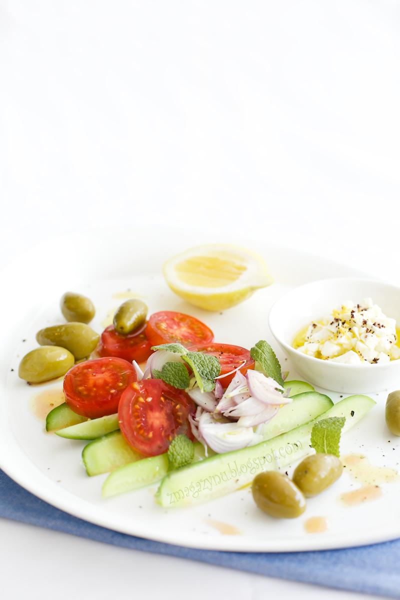 Sałatka grecka z marynowaną fetą