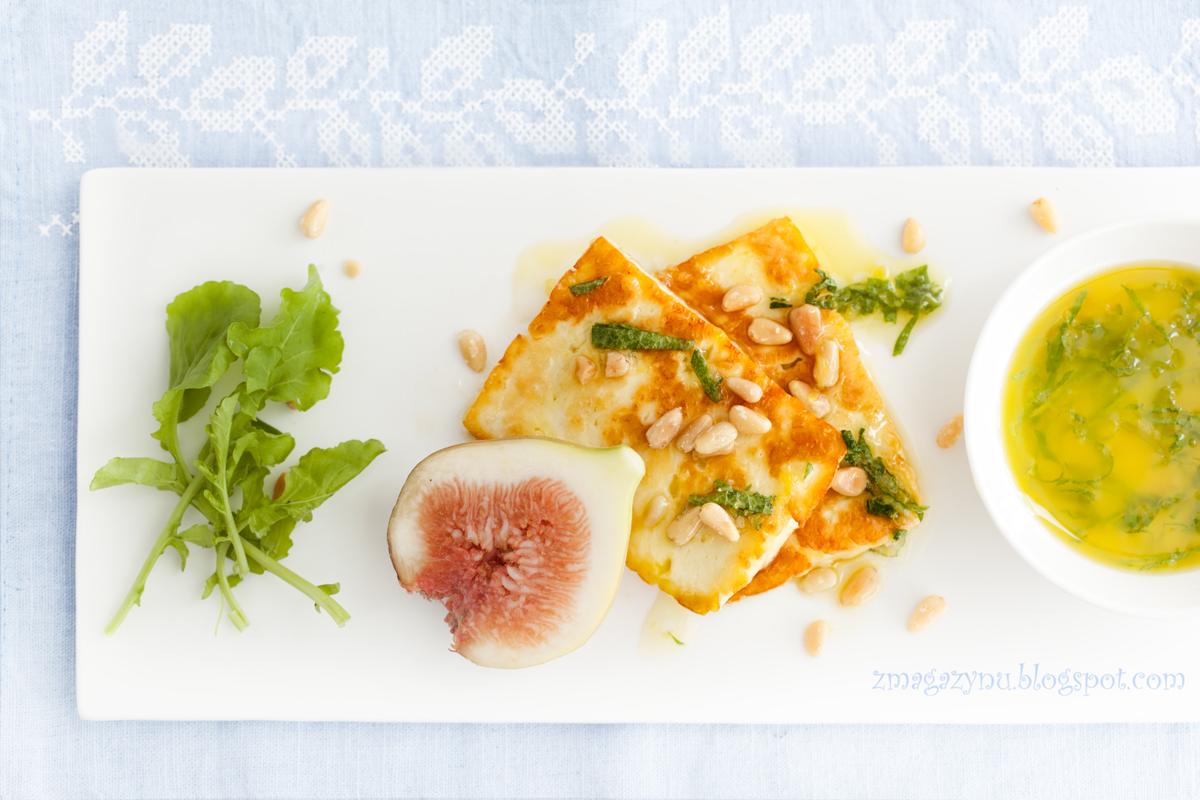Smażony ser halloumi z figami
