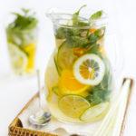 Cytrusowa lemoniada z bazylią, miętą i ogórkiem