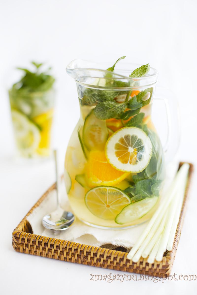 Cytrusowa lemoniada z bazylią i miętą