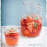 Napój truskawkowy z białym octem balsamicznym