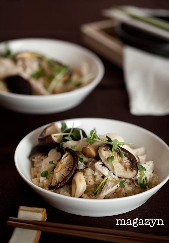 Sałatka ryżowa z kurczakiem i grzybami