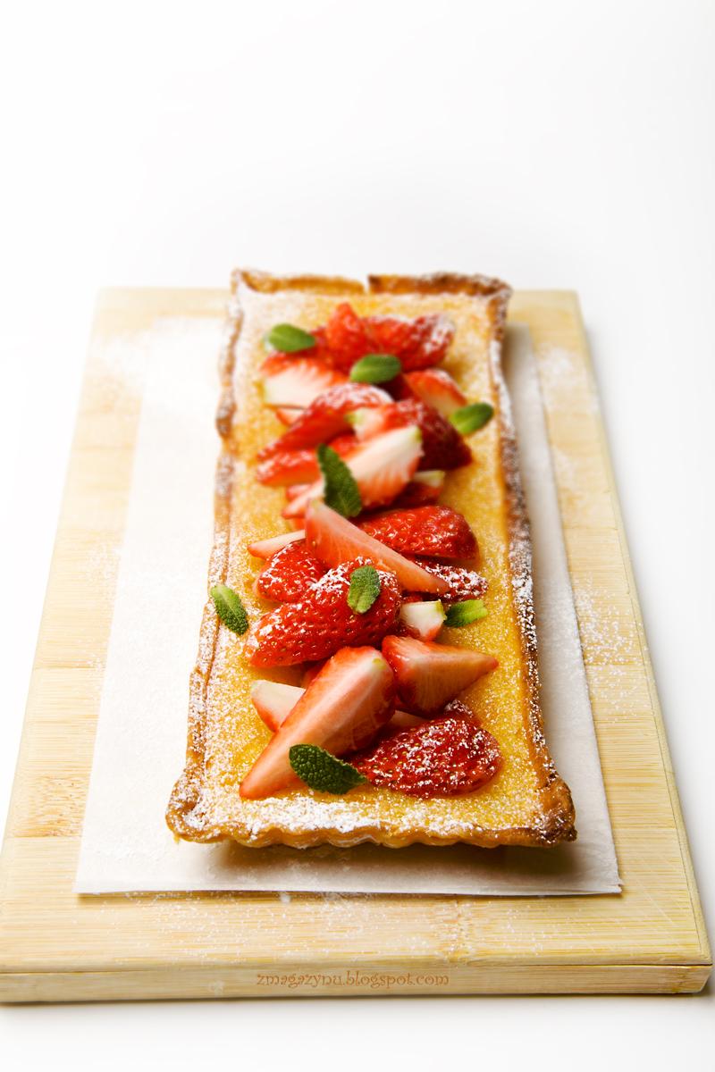 Tarta cytrusowa z truskawkami