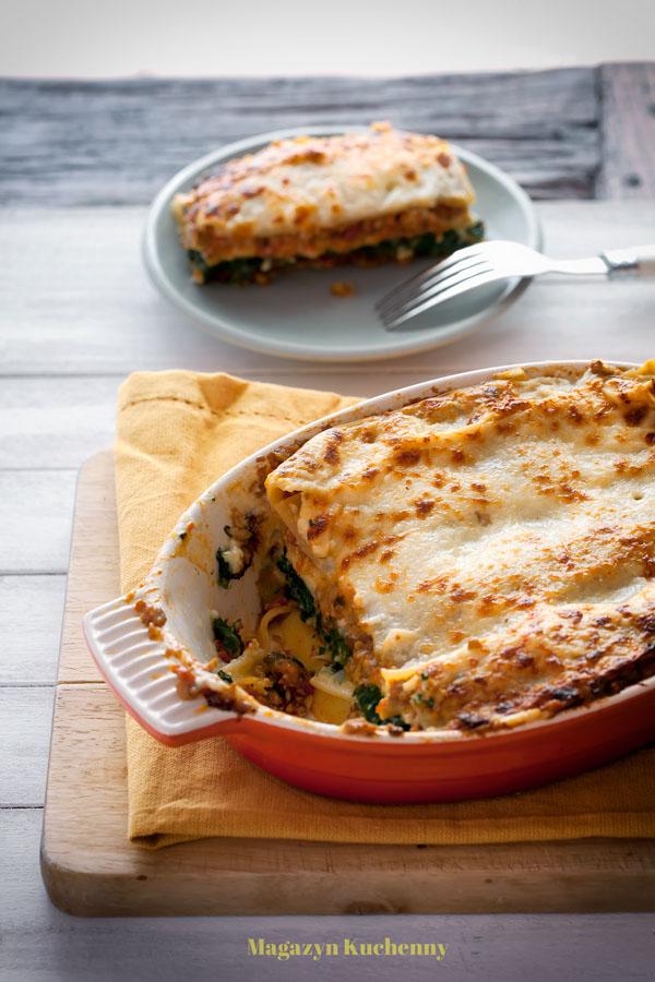 Lasagne z grzybami, szpinakiem i pomidorami