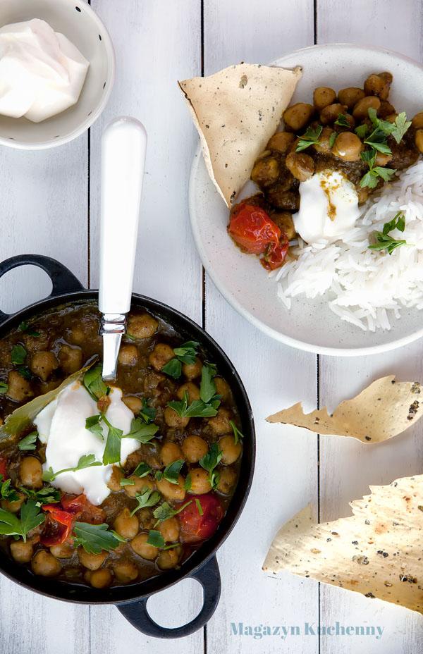 curry-z-ciecierzyca-ryz-basmati-pappadams