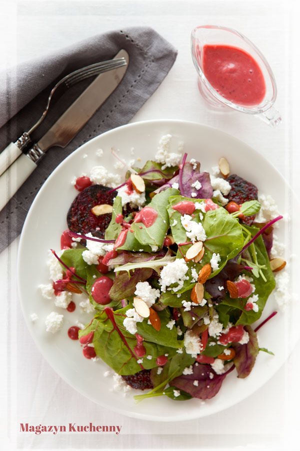 salatka-buraczki-z-dressingiem-malinowym