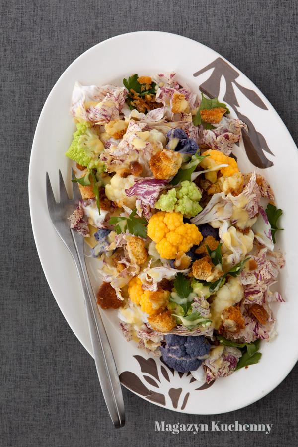Sałatka z kolorowymi kalafiorami