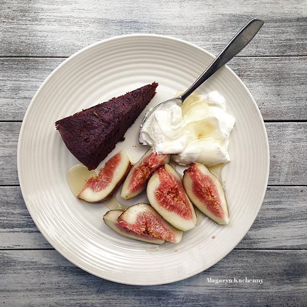 ciasto-czekoladowe-porcja
