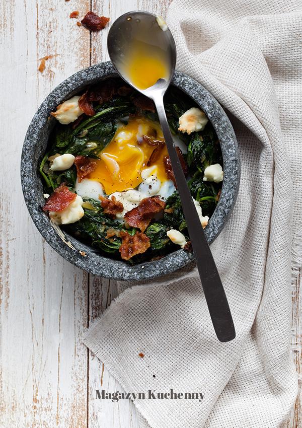 jajko-zapiekane-w-szpinaku