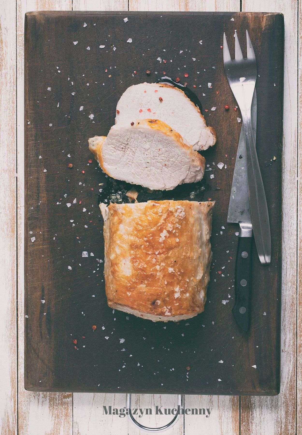 Schab pieczony z czosnkiem i majerankiem
