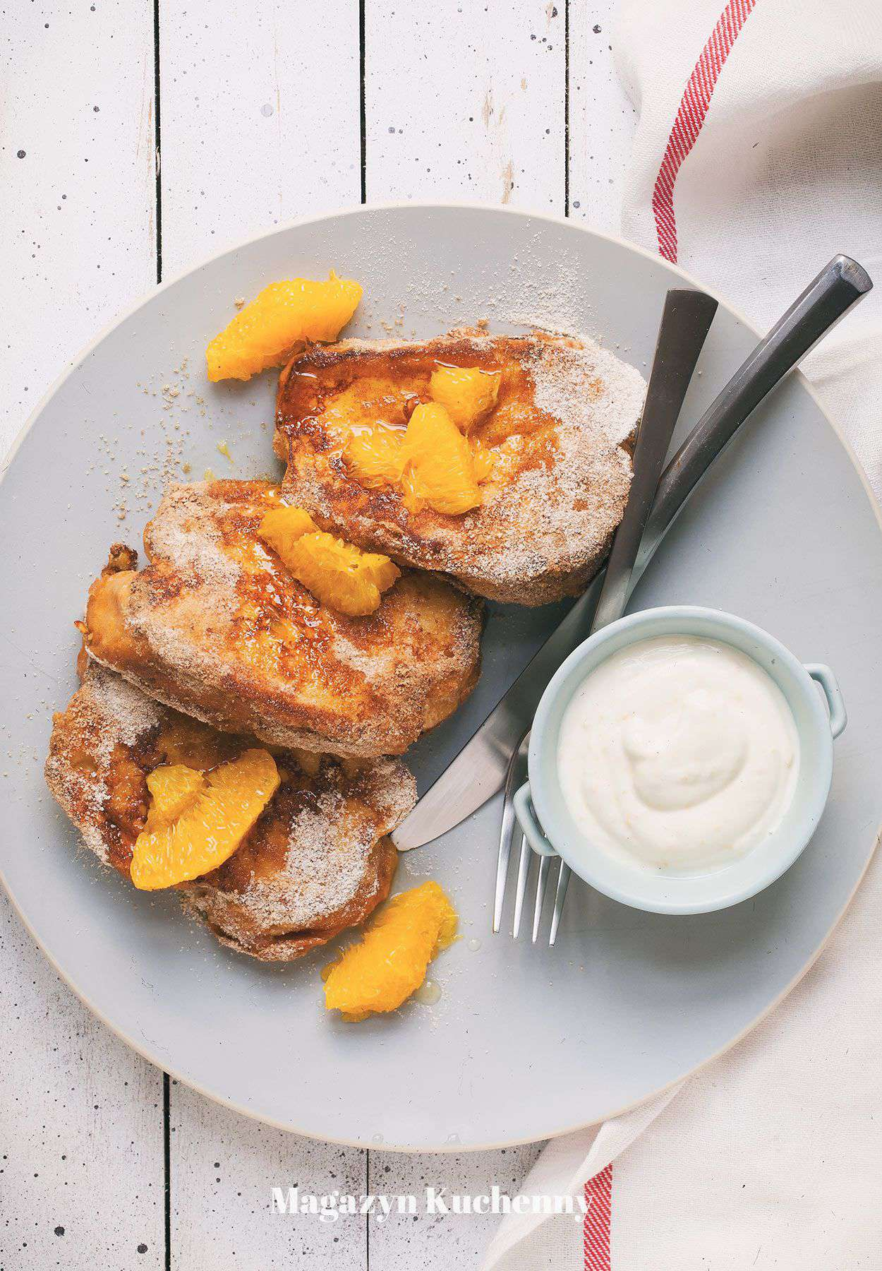 Tosty francuskie z chałki z pomarańczami i jogurtem