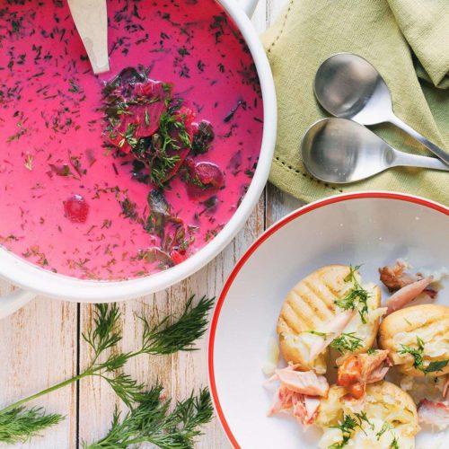 zupa botwinka na wędzonych skrzydełkach z kurczaka
