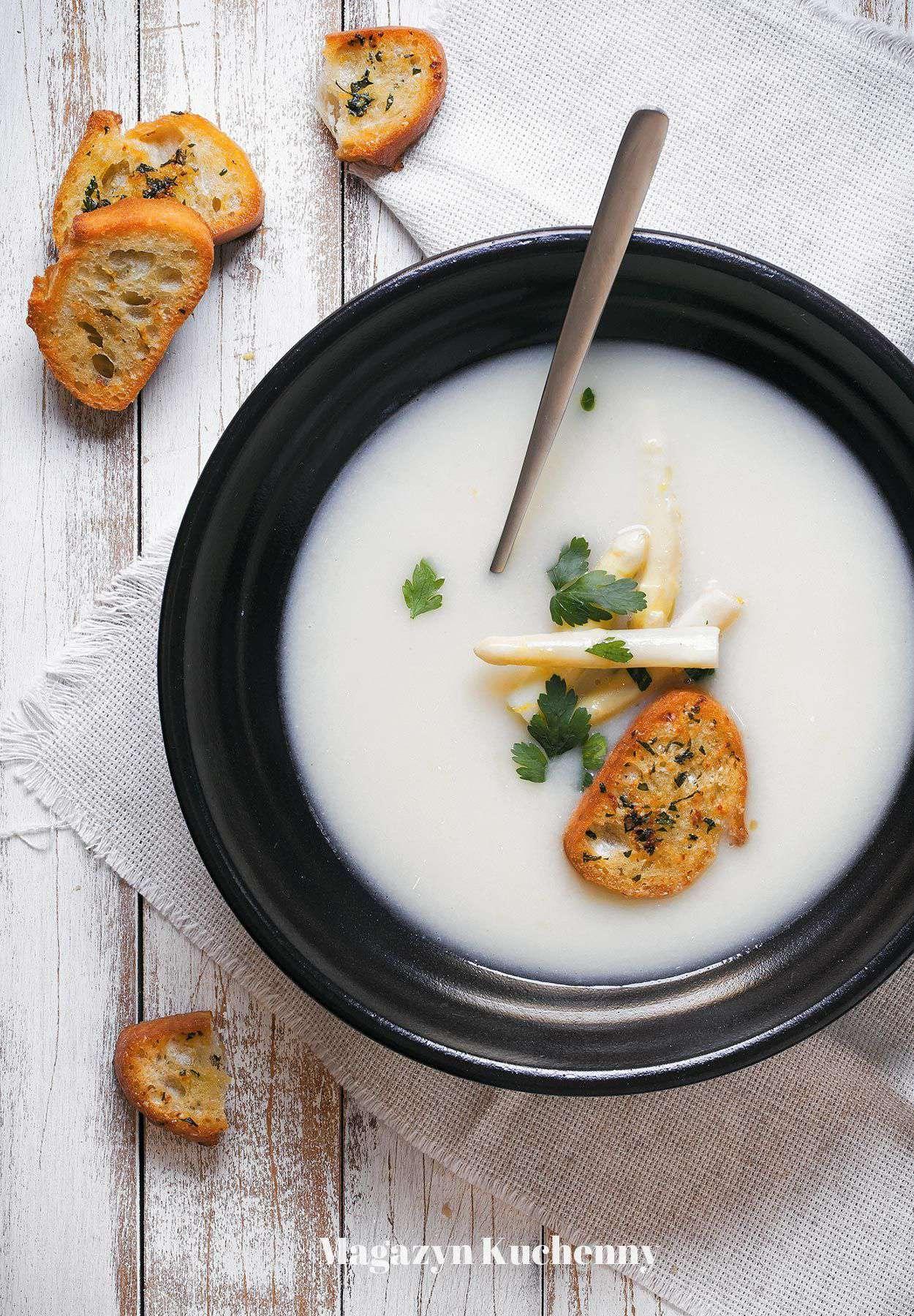 Zupa szparagowa z cytryną i parmezanem