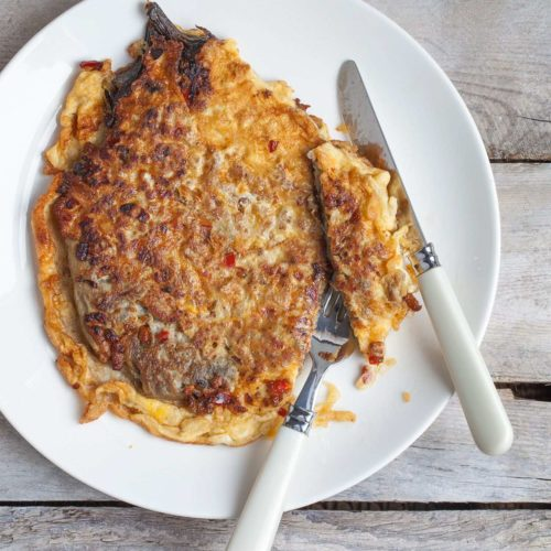 Filipiński omlet z bakłażanem, paprykąi mielonym mięsem