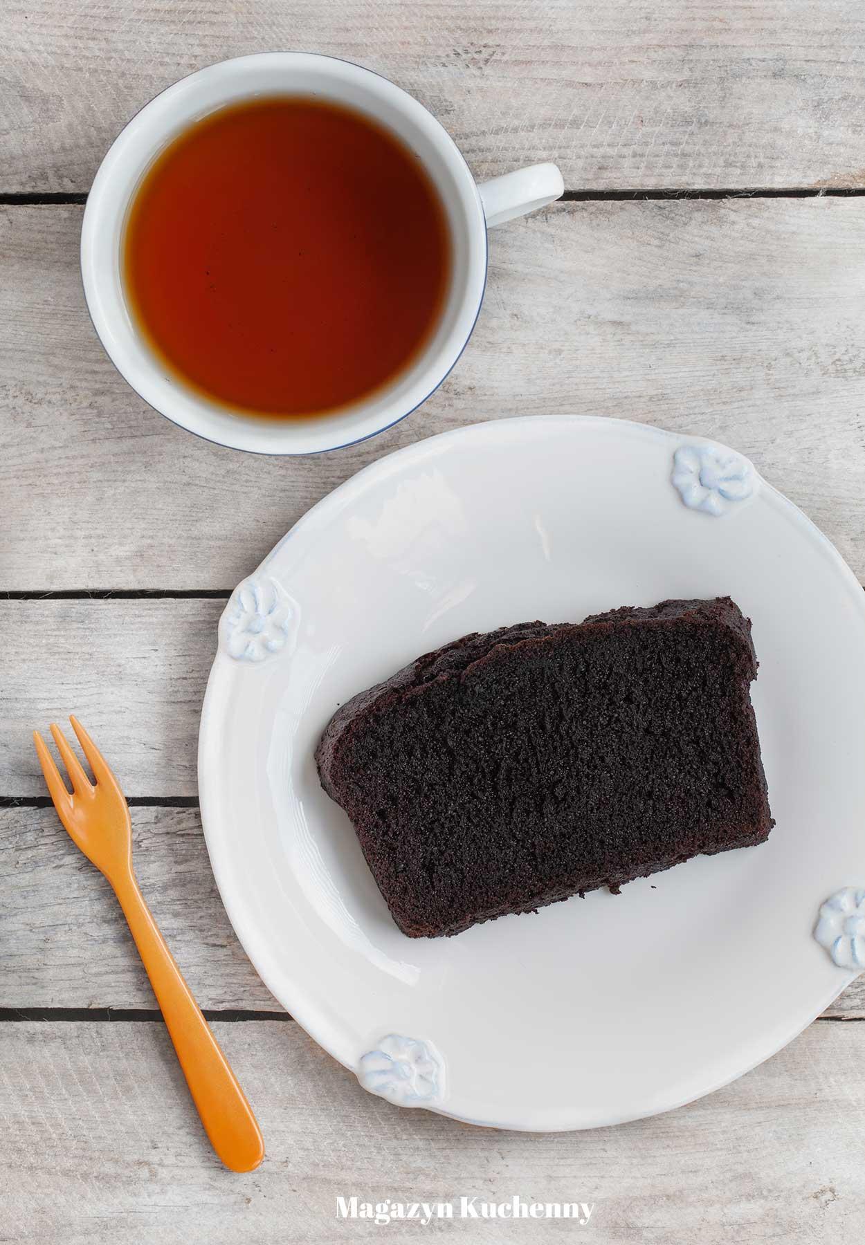 Ciasto czekoladowe z kakao, puszyste i wilgotne