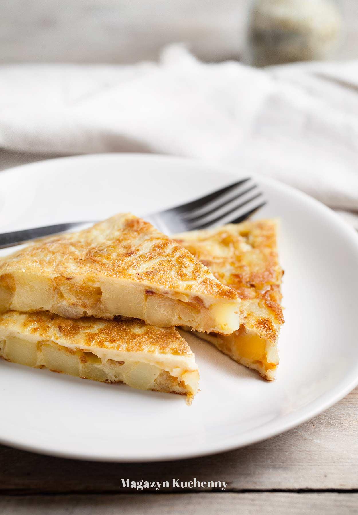 Omlet hiszpański z ziemniakami i cebulą