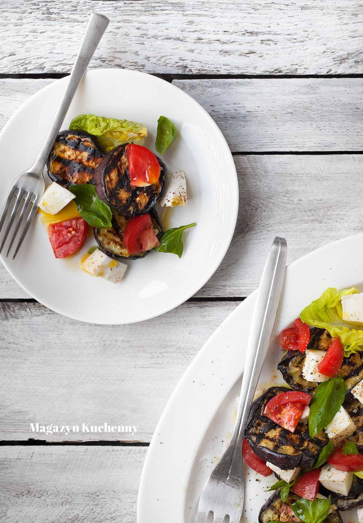 Sałatka z bakłażana, pomidorów i mozzarelli